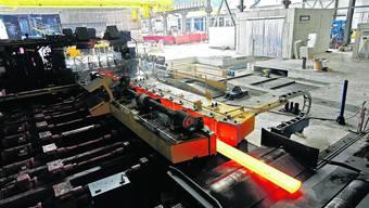 Hartes Geschäft: Die Wirtschaftskrise hat das Stahlwerk in Gerlafingen schwer getroffen. Nun zeichnet sich Stabilisierung ab. (Felix Gerber)