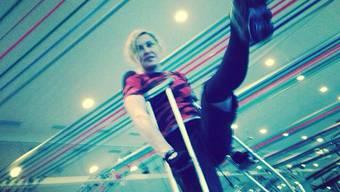 Madonna trainiert auf Krücken.