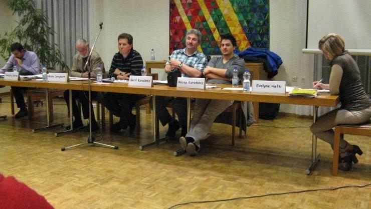 Vorstandsmitglieder des Bewohnervereins Augarten an der Versammlung im Begegnungszentrum Pelikan.
