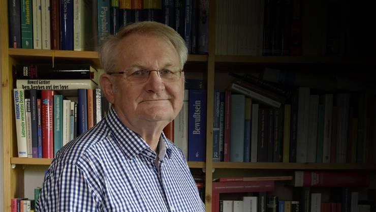 Bruno Bohlhalter erhielt mit 74 Jahren in Freiburg die Doktorwürde. Er dissertierte zu einem brisanten Thema. wak
