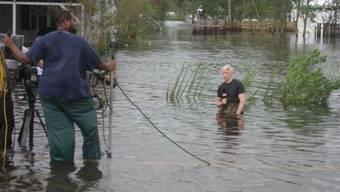 CNN-Moderator im Hochwasser