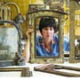 In jedem dieser von Silvia Boss gefertigten Rahmen stecken Trouvaillen aus China und dem Westen, eine Woche Arbeit – und viel Herzblut.