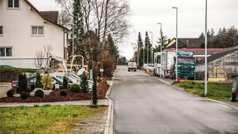 Ein kleiner Trost bleibt den Anwohnern der Brunnmattstrasse: Vor zwei Jahren wurde der Schleichverkehr mit einem Fahrverbot unterbunden. Toni Widmer
