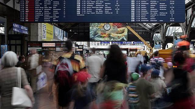 Passantenstrom am Hauptbahnhof Zürich: Hier schlugen die Diebe zu (Symbolbild)