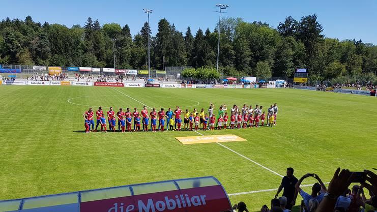 Im Cup trifft der FC Aarau auf den SC Cham aus der Promotion League. Vor dem Start der Partie herrscht gute Laune.