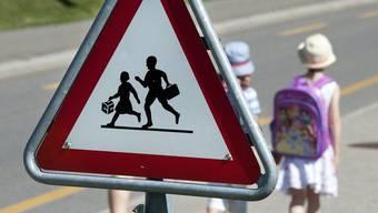 Der 33-Jährige soll sich teilweise vor den Kindern exhibitioniert haben. (Symbolbild)