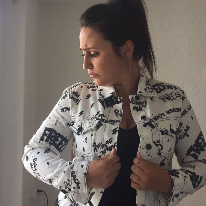 Ufsteller mistet aus: Soll Nina die weisse Jeansjacke behalten?