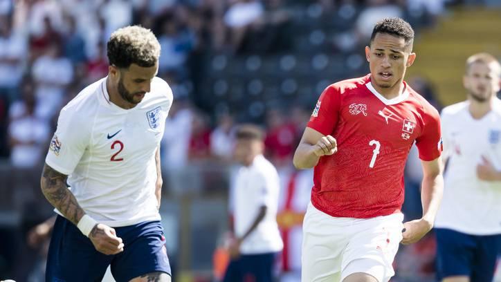 FCB-Stürmer Noah Okafor debütierte gegen England für die Schweiz.