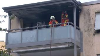 Die Feuerwehr konnte den Brand zwar rasch löschen, dennoch entstand am Gebäude ein grosser Schaden.