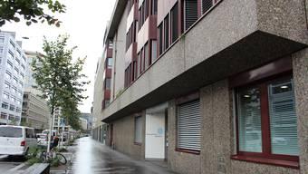 Beim «Erlenhof» an der Lagerstrasse in Zürich hat sich am Mittwochmorgen ein Unfall ereignet. Weshalb, das ist unklar.