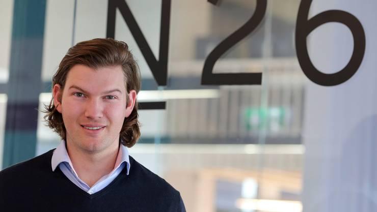 Der Wiener Valentin Stalf ist Mit-Gründer und Chef der Bank N26. Die deutsche Smartphone-Bank will nun auch in der Schweiz Fuss fassen. Bild: Wolfgang Kumm/Keystone/DPA