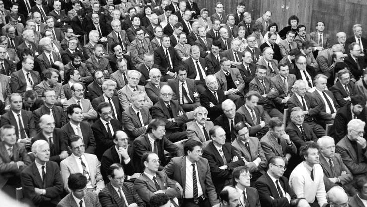 Am 10. August 1987 erfahren die BBC-Kaderleute im Martinsbergsaal von der geplanten Fusion mit Asea.