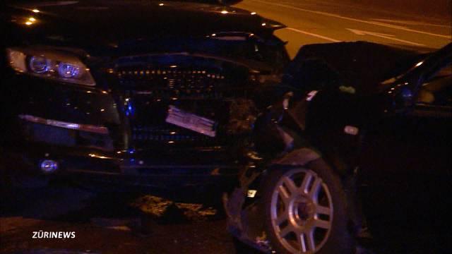 Unfall auf Hardbrücke verursacht ein Verkehrschaos
