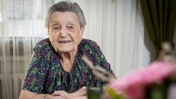 Noch immer kocht Sophie Ebneter jeden Tag für sich, wäscht, macht Handarbeiten und besorgt den Haushalt.