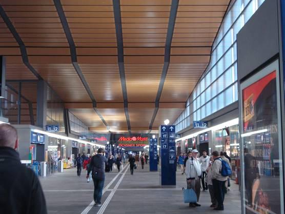Bahnhof Basel: Die Umsätze gingen um 5 Prozent zurück.