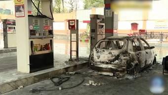Noch immer ist unklar, wie viele Menschen bei den jüngsten Unruhen im Iran ums Leben gekommen sind. Amnesty International spricht von über 100 Todesopfern. Wegen der Erhöhung der Benzinpreise kam es landesweit zu Protesten. Deshalb verhängte der Staat eine Internetsperre.