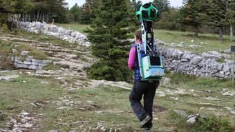 Google erwandert die Berge mit einer Rucksack-Kamera
