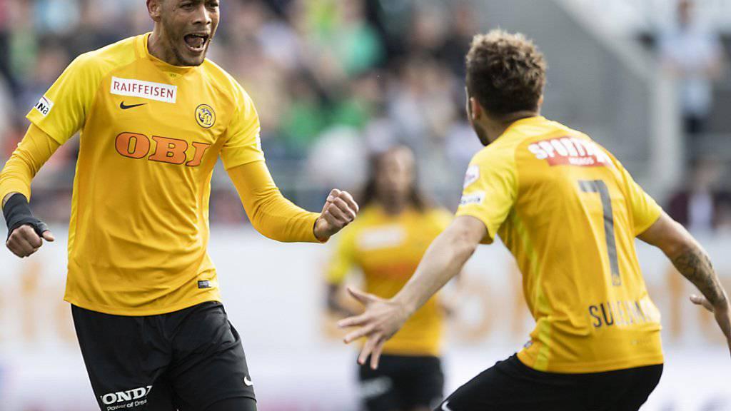 Hier, in einem Spiel gegen St. Gallen, waren sie noch fit: Guillaume Hoarau (links) und Miralem Sulejmani,