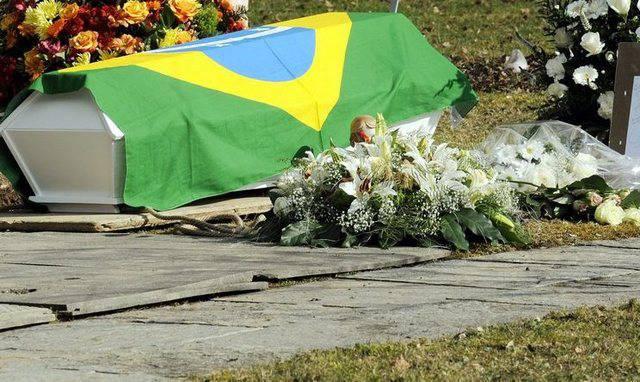 Grab des getöteten Knaben auf dem Friedhof in Kloten (Archiv)