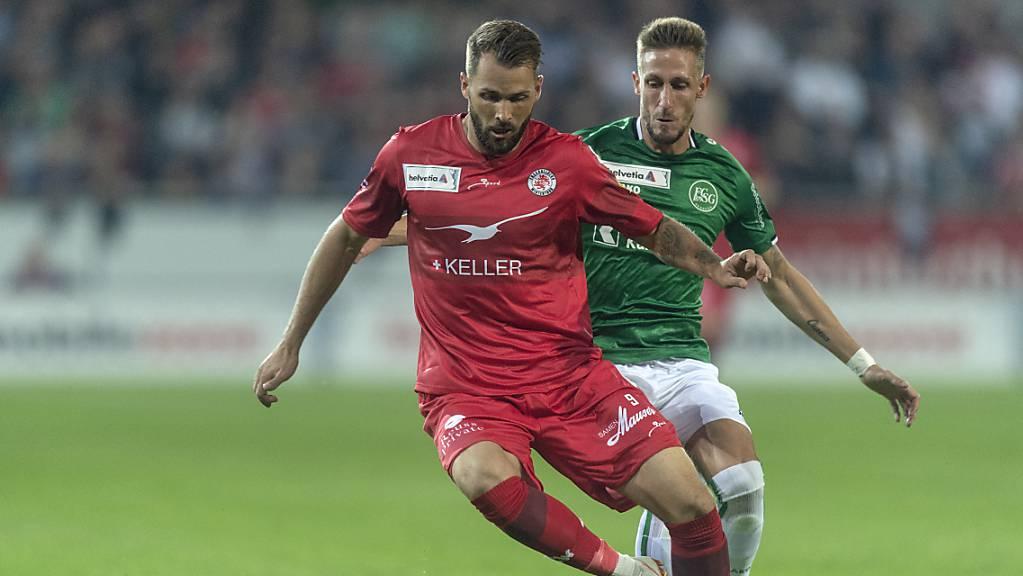 Doppeltorschütze Roman Buess (vorne), hier im Cupmatch gegen St. Gallen.