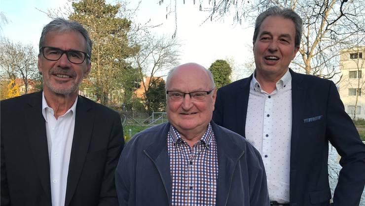 V.l.: Kassier Ueli König, Autor Ernst Burren und Präsident Beat Leimer.