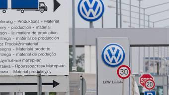 Der Autohersteller Volkswagen hat schon 28 Milliarden Euro für die Bewältigung des Abgas-Skandals aufbringen müssen. (Archivbild)