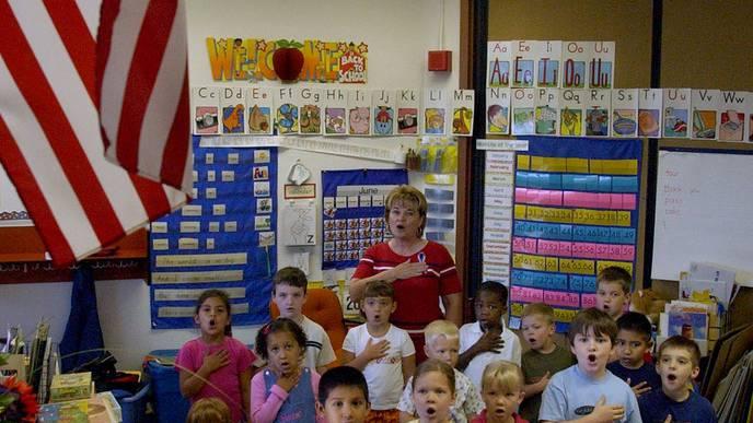 Amerikanische Schulkinder schwören den «Pledge of Allegiance».