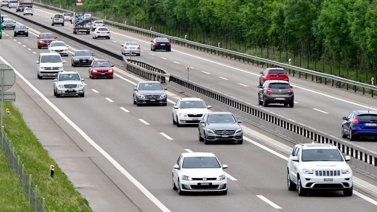 Zum Unfall kam es auf der A1 zwischen Wangen an der Aare und der Verzweigung Luterbach. (Archiv)