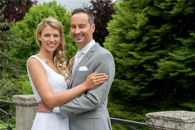 Bertschi und Sigi Ladenbauer haben im Stadthaus Baden zivil geheiratet.