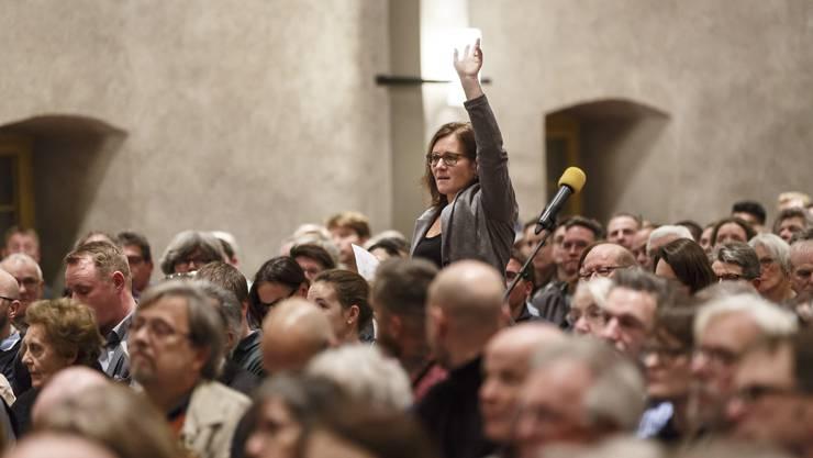 Gemeinderätin Franziska Roth (SP) an der Gemeindeversammlung im Dezember 2018. Anträge aus dem Plenum kamen nicht zur Abstimmung.