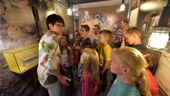 Auch der Ferienpass Grenchen nutzt das Kultur-Historische Museum, hier anlässlich der Ausstellung zum Jubiläum des Grenchenbergtunnels.