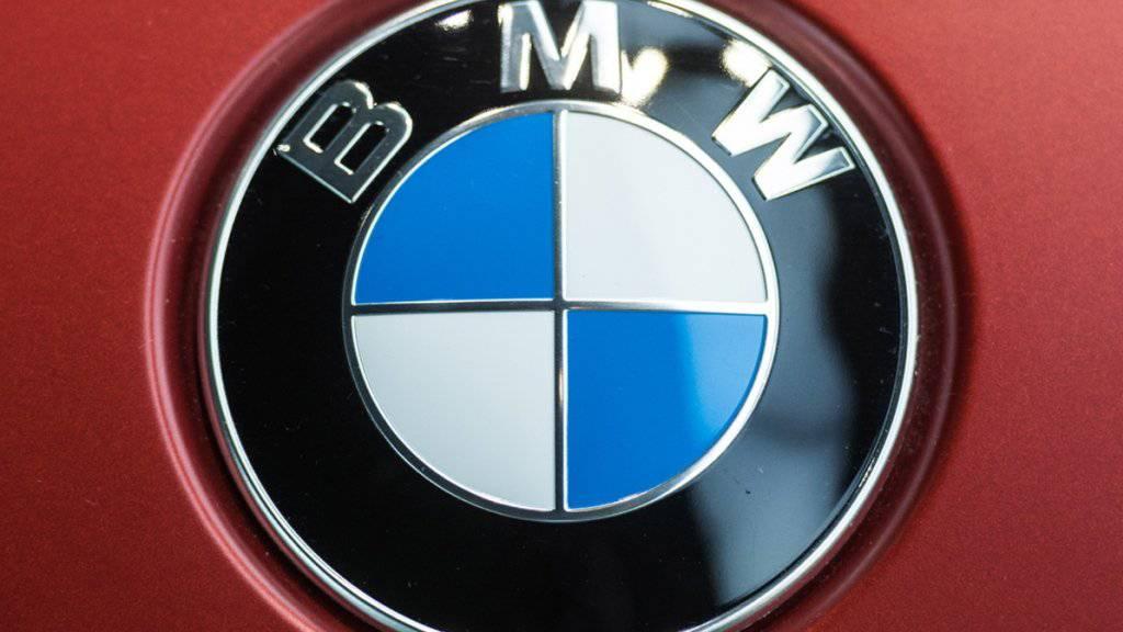 Eine Gewinnwarnung von BMW erschreckt die Anleger: Die Aktie stürzt an der Börse ab. (Archiv)