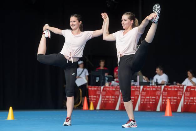 Deborah Leu und Claudia Schnüriger vom TV Dagmersellen bei ihrer Aerobic Vorführung in der Kategorie Aktive Paare.