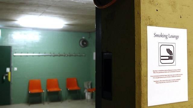 Asylsuchende sollen vorübergehend ohne Bewilligung in Militärunterkünften untergebracht werden können (Archiv)