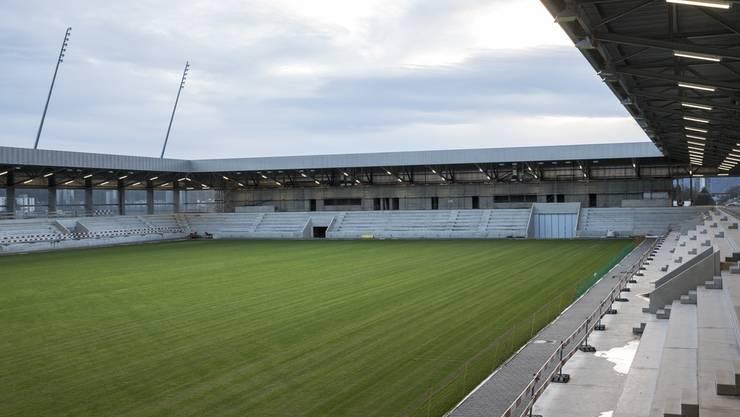 Helion Solar wird auf den Dächern des Stadionkomplex «Stades de Bienne» ein Solarkraftwerk bauen (im Bild das Fussballstadion).
