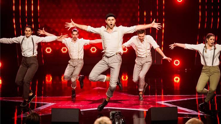 Luca Häseli (Mitte) und die Tanzformation «Focus» haben im Casting von «Die grössten Schweizer Talente» überzeugt.