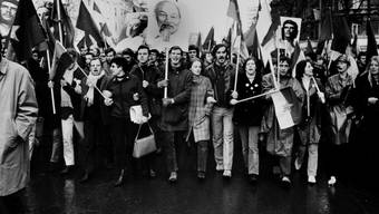 Demonstranten protestieren im Februar 1968 in Berlin gegen den Krieg in Vietnam.