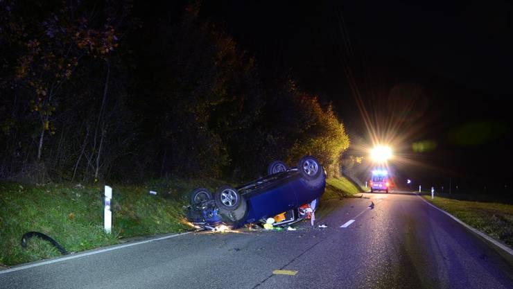 Ein 21-Jähriger baute in Läufelfingen einen Unfall. Er fuhr betrunken und verlor die Kontrolle über seinen Wagen.