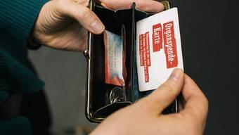 In zu wenigen Portemonnaies: Die Organspendekarte.