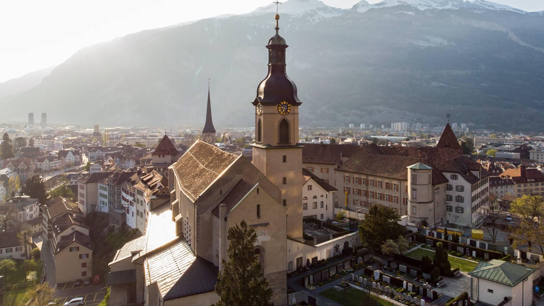 Das Domkapitel des Bistums Chur soll heute zusammentreten und einen neuen Bischof wählen. (Symbolbild)