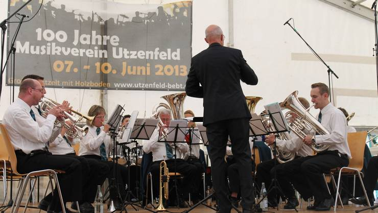 Gastauftritt der MG Kölliken am Frühschoppenkonzert anlässlich der 100-Jahr-Feier des MV Utzenfeld