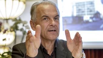 Der Genfer Stadtpräsident Rémy Pagani entschuldigte sich am Dienstag vor dem Parlament für das Abstimmungsdebakel. (Archivbild)