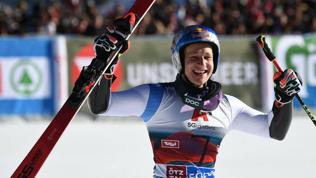 Marco Odermatt gewinnt den ersten Riesenslalom der Saison