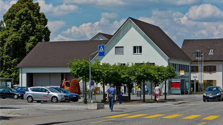 Im Gemeindehaus mitten im Dorf trifft sich der Gemeinderat zu seinen Sitzungen.