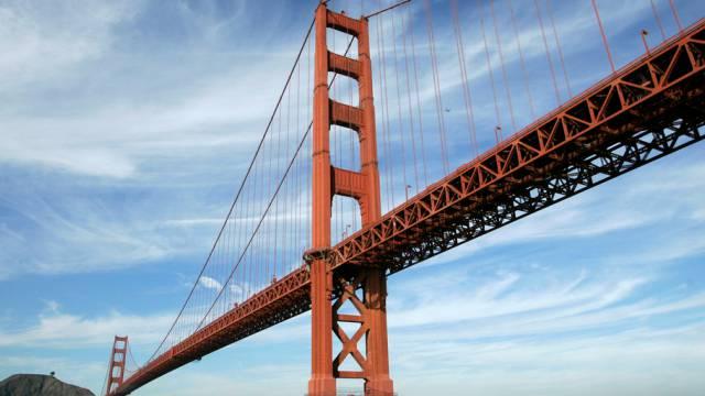 Bald mit Fangnetzen: die Golden Gate Bridge in San Francisco
