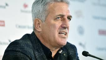 Der Schweizer Nationaltrainer Vladimir Petkovic gibt in Zürich in einem noblen Hotel sein Aufgebot für die beiden letzten Länderspiele des Jahres bekannt.
