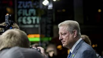 """Der ehemalige US-Vizepräsident und Umweltaktivist Al Gore hat mit der persönlichen Vorstellung seines Films """"An Inconvenient Sequel: Truth to Power"""" das 13. Zurich Film Festival abgerundet."""