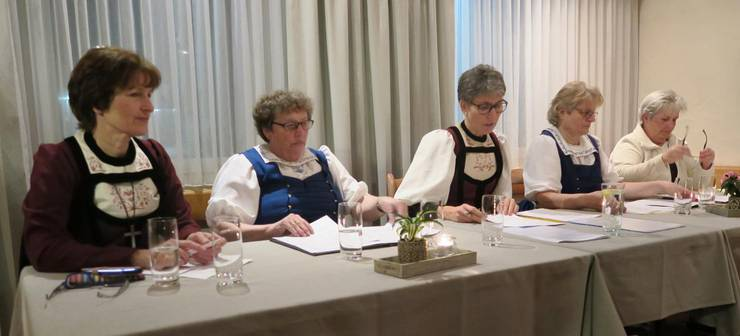 Der Vorstand v.l.n.r.: Maja Freiburghaus, Hanni Trittibach, Regula Richard, Beatrix Flury und Linda Mathys