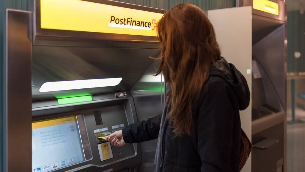 Unbekannte manipulierten Postomaten: 100 Geräte sind derzeit ausser Betrieb