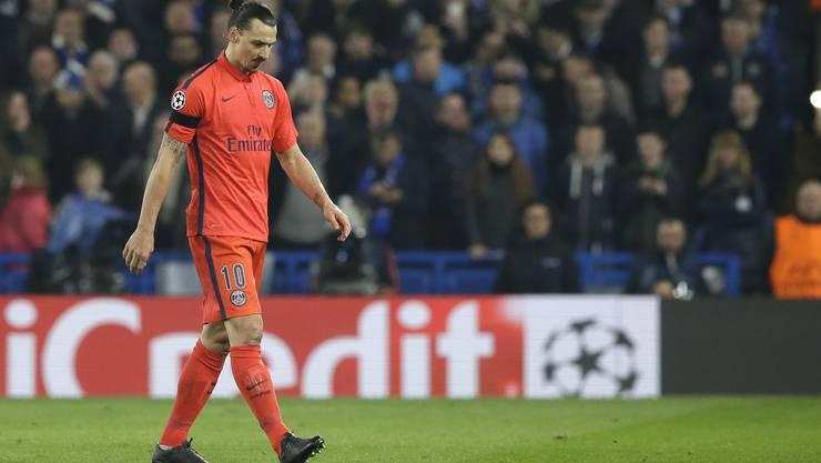 Stürmerstar Zlatan Ibrahimovic von Paris St-Germain wird nach seinem Platzverweis im Achtelfinal-Rückspiel der Champions League für ein Spiel gesperrt.